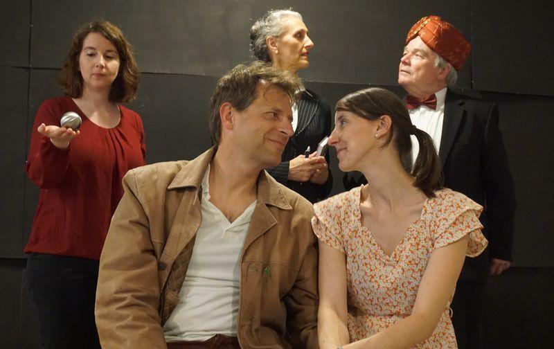 Theater: Hotel zu den zwei Welten